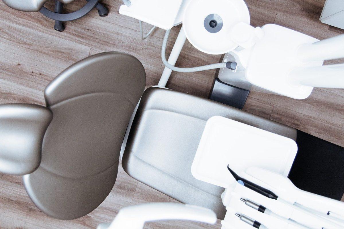 dental_1589530212-1200x800.jpg